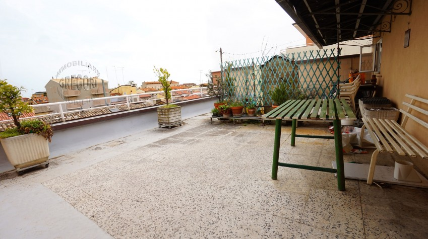 appartamento con terrazzo e mansarda